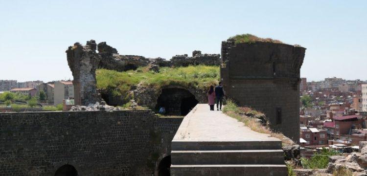 STK'lar bakımsız Diyarbakır Surları için UNESCO'dan yardım istedi