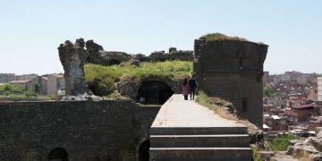 STKlar bakımsız Diyarbakır Surları için UNESCOdan yardım istedi