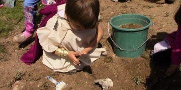 Mini mini arkeologlar görenlere maşallah derdirtti