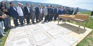 Karabük Valisi Hadrianaupolis Antik Kentini turizmcilere tanıttı
