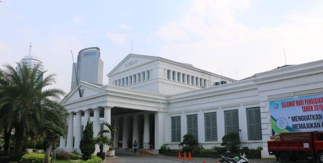 Endonezya Ulusal Müzesinde Hinduizm, Budizm ve İslam yanyana