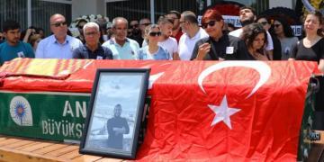 Sinan Sertelin cenaze töreninde arkeologlar gözyaşlarını tutamadı