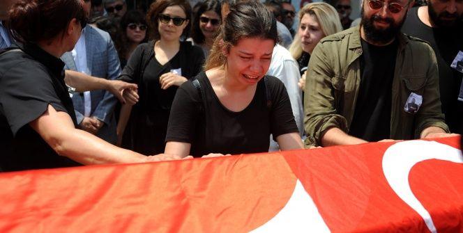 Arkelog Sinan Sertelin cenazesinde gözyaşları sel olup aktı