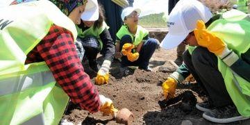 Elazığlı öğrenciler Bingölde Norik Höyüğünde arkeoloji alemiyle tanıştı