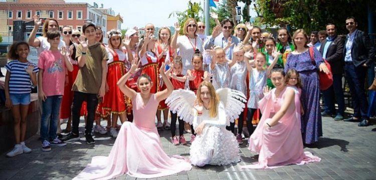 Demre Turizm Festivali'nde Türkler ve Ruslar birlikte coştu