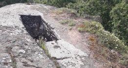Defineciler dev kayaların içinde gömü arayacak kadar çıldırdı!