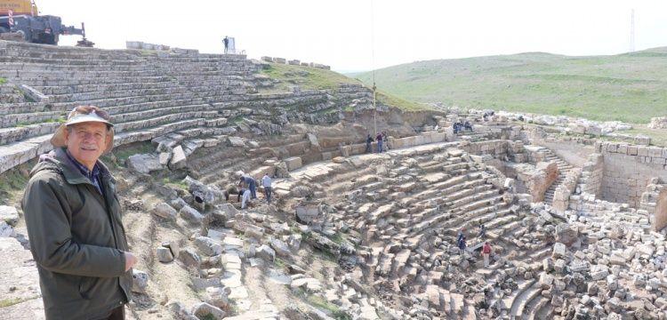 Laodikeia Antik Kenti Tiyatrolarının Ziyarete Açılması İçin Çalışmalar Başladı