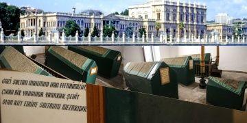 Dolmabahçe Sarayının ziyaretçilere kapalı türbesi basına açıldı