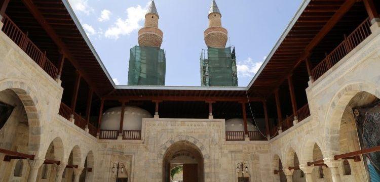 Gök Medrese nihayet ziyarete açıldı ama restorasyonu hâlâ bitirilemedi