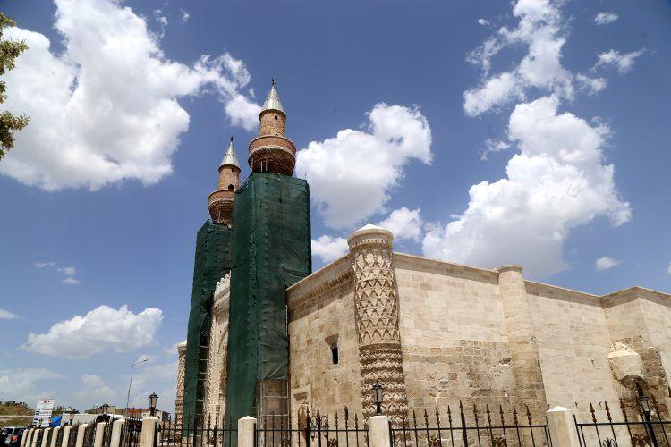 Sivas'ın mimari şaheseri Gök Medrese nihayet ziyaret açılabildi