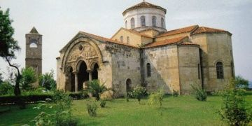 Greek archaeologistss concerns for Hagia Sophia of Trabzon