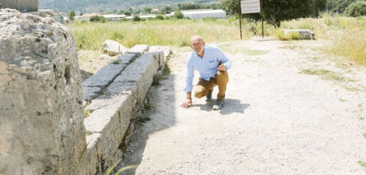 Xsanthos'un mozaiklerini turistler  parça parça götürüyorlar