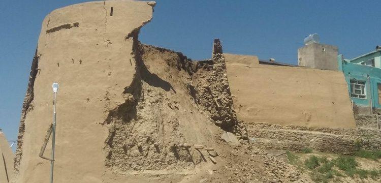 Afganistan'da Gaznelilerden kalma tarihi kalenin kulesi çöktü