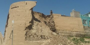 Afganistanda Gaznelilerden kalma tarihi kalenin kulesi çöktü