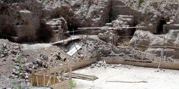 Kayseride iş merkezi inşaatının temelinden arkeolojik kalıntılar çıktı