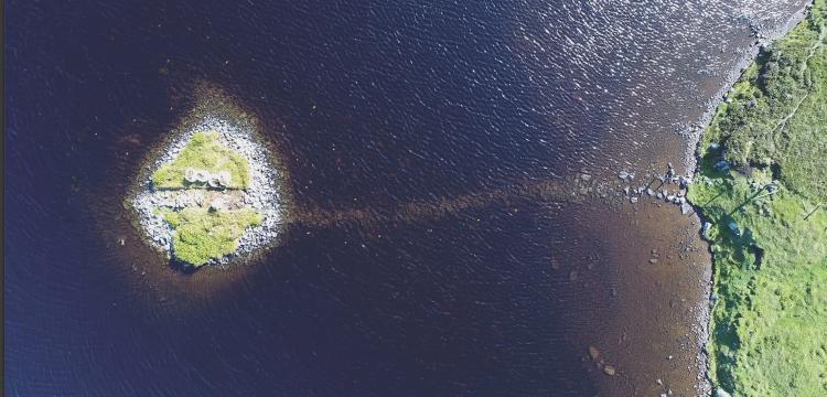 İskoçya'nın ünlü yapay adaları crannoglar sanılandan daha eski çıktı