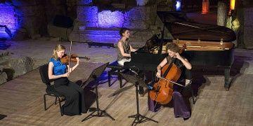 Efes Antik Kentinde Boulanger Trio nağmeleri yankılandı