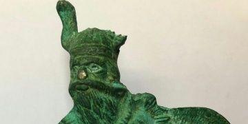 Ispartada 21 santimetrelik metal Viking heykeli yakalandı