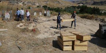 Hasankeyfte 785 mezar taşındı, 265 mezar daha taşınacak