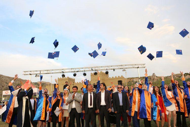 Hitit Üniversitesi Arkeoloji Bölümü 2019 yılı mezuniyet töreni