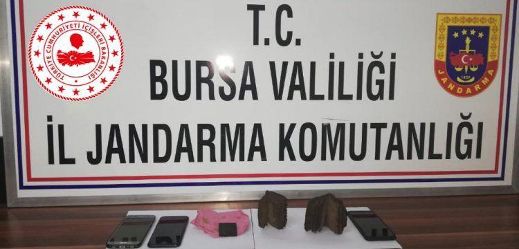 Bursa'da satılmak istenen iki tarihi görünümlü İncil yakalandı