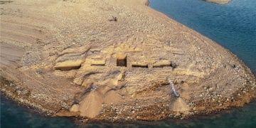Irakta Dicle kıyısında 3 bin yıllık saray kalıntısı ortaya çıktı