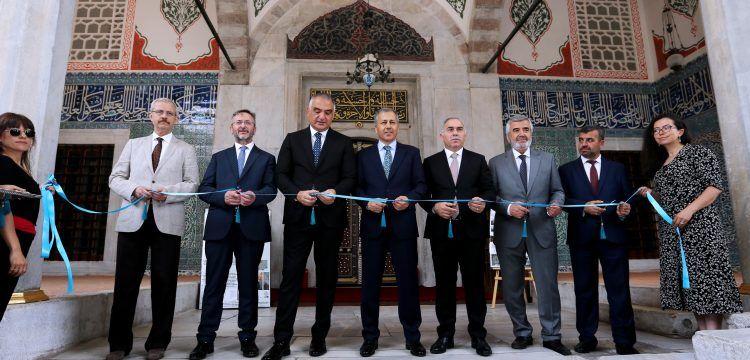 Restorasyonu biten Hatice Turhan Valide Sultan Türbesi törenle açıldı