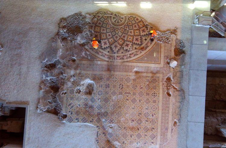 İşte Hatay'da onarılan dünyanın en büyük tek parça taban mozaiği