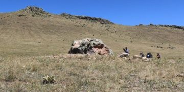 Definecilerin parçaladığı 4 bin yıllık Hitit Kaya Anıtında kurtarma kazısı başladı