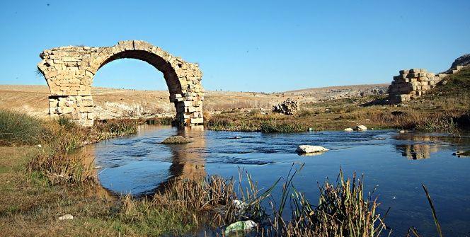 Hasan Yelkenin objektifinden tarihi Septimius Severus köprüsü