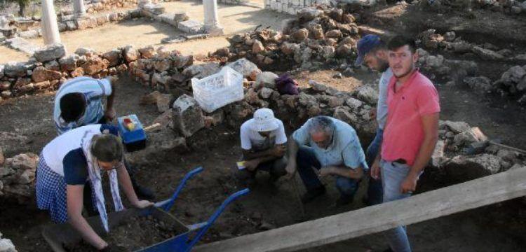 Myra ve Andriake arkeoloji kazıları 10'uncu yılına girdi