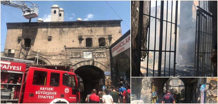 Kayseri'nin ünlü kapalı çarşısındaki tarihi Vezir Hanı'nda yangın çıktı