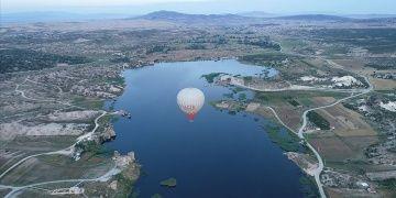 Frig vadisinde ilk sıcak hava balonu havalandı