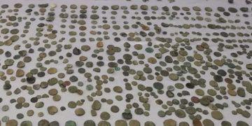 Kargo aracındaki makarna kolisinde tarihi eserler yakalandı