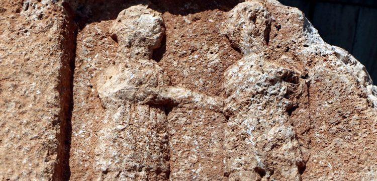 Adıyaman'da ayrılığı ölümsüzleştiren kayayı görmeye binlerce kişi geldi