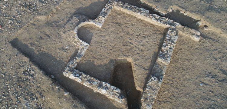 Necef Çölü'nde 1200 yıllık Müslüman mescidi ortaya çıkarıldı