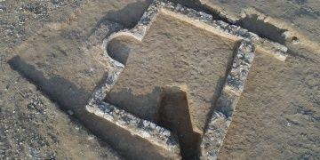 Necef Çölünde 1200 yıllık Müslüman mescidi ortaya çıkarıldı