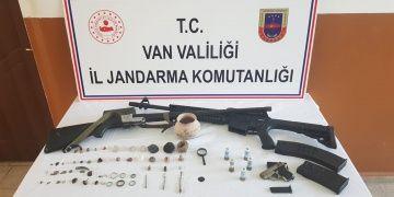 Vanın Muradiye ilçesinde 45 parça tarihi eser yakalandı