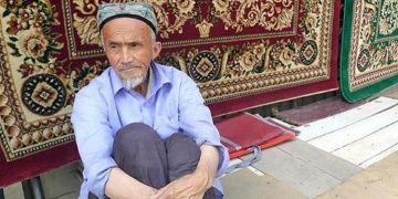 Çin Uygurların Türk olmadığını iddia etti