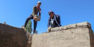 Urartu mimarisi 2700 yıl sonra kerpiç kerpiç üstüne yeniden kuruluyor