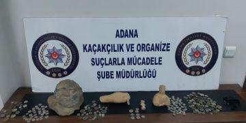Adanada otomobilin motor kısmına saklanan tarihi eserler yakalandı