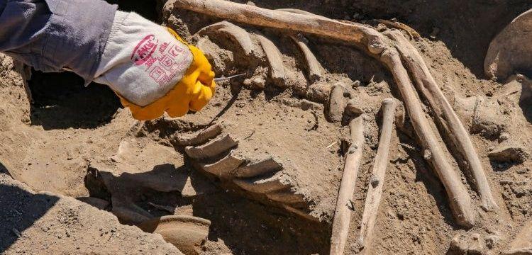 Kafatası olmayan 2700 yıllık Urartu Kadın iskeleti bulundu
