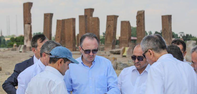 Ahlat Selçuklu Meydan Mezarlığı peyzaj çalışmaları 24 Ağustos'ta bitecek