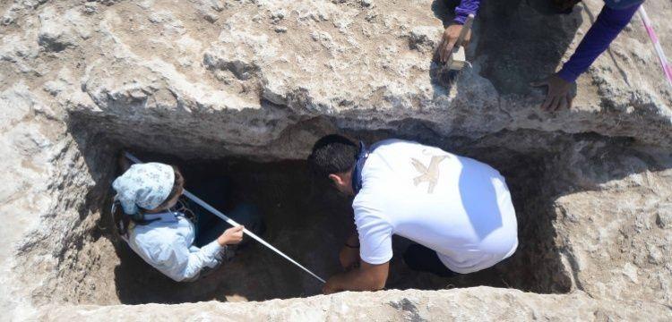 Hadrianaupolis'te 1800 yıllık kaya mezar bulundu