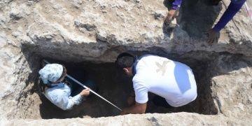 Hadrianaupoliste 1800 yıllık kaya mezar bulundu