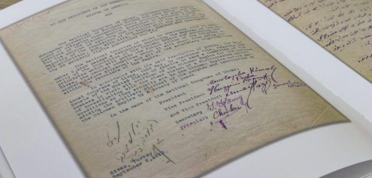 Atatürk'ün Latin harfleriyle attığı ilk resmi imza yayınlandı