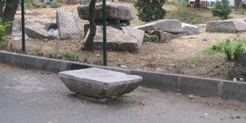 Ekrem İmamoğlu, Arkeoloji Parkındaki plastik oyun gruplarına isyan etti