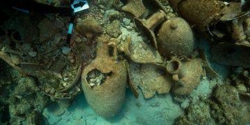 Yunanistannın Koçbaba adası açıklarında 2 bin yıllık batıklar keşfedildi