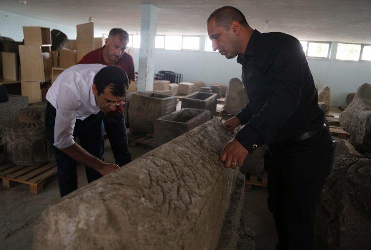 Erzurum Pasinler'de bulunan Sultan Alaaddin yazılı sanduka görüntülendi