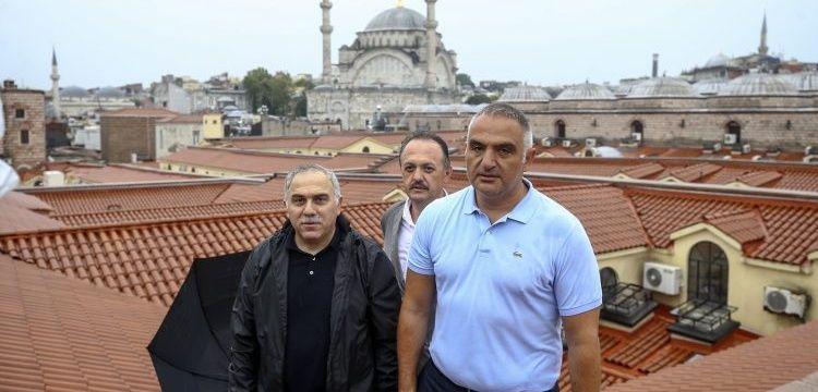 Bakan Ersoy, geçen yıl restore edilen Kapalıçarşı'nın nasıl su aldığını açıkladı